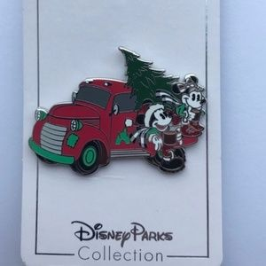 Disney Pin Holiday Mickey and Minnie